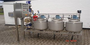 Small test unit with pasteurizer.